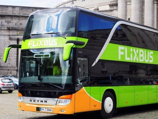 Bus fra FlixBus, set fra forenden